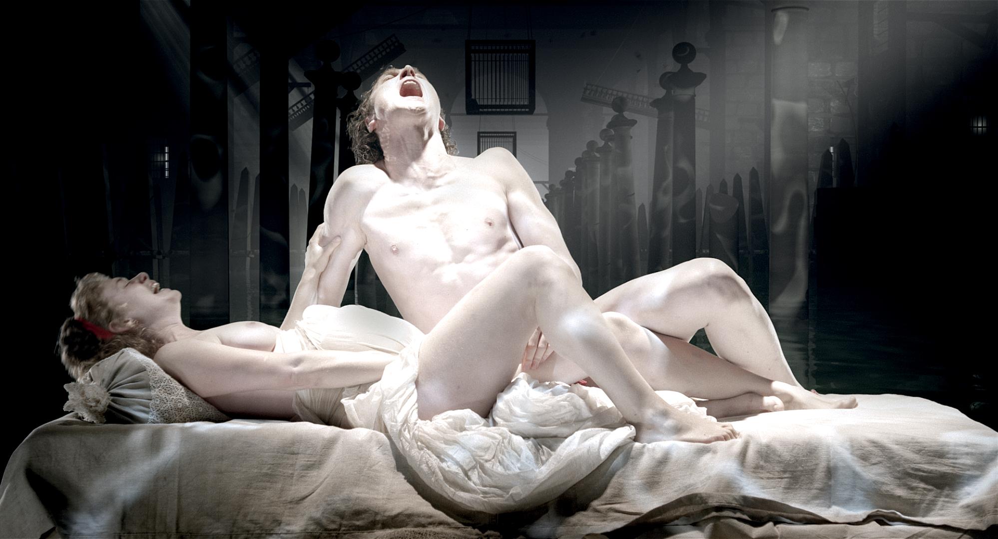 Смотреть бесплатно голые в театре, Видео 14 фотография
